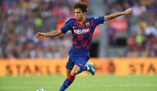 BARCELONA, SPAIN - AUGUST 04: Riqui Puig of FC Barcelona runs with the ball during the Joan Gamper trophy friendly match between FC Barcelona and Arsenal at Nou Camp on August 04, 2019 in Barcelona, Spain. (Photo by David Ramos/Getty Images)