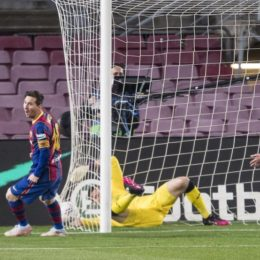 Agarrados a Messi